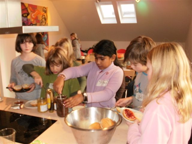 jugendpflege hemmingen gemeinsames kochen mit kindern. Black Bedroom Furniture Sets. Home Design Ideas
